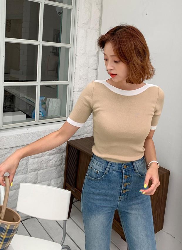 Đếm vu vơ đã có 8 kiểu áo kết hợp cực ngọt với quần jeans, giúp bạn chứng minh gu thời trang siêu ổn của mình - Ảnh 15.