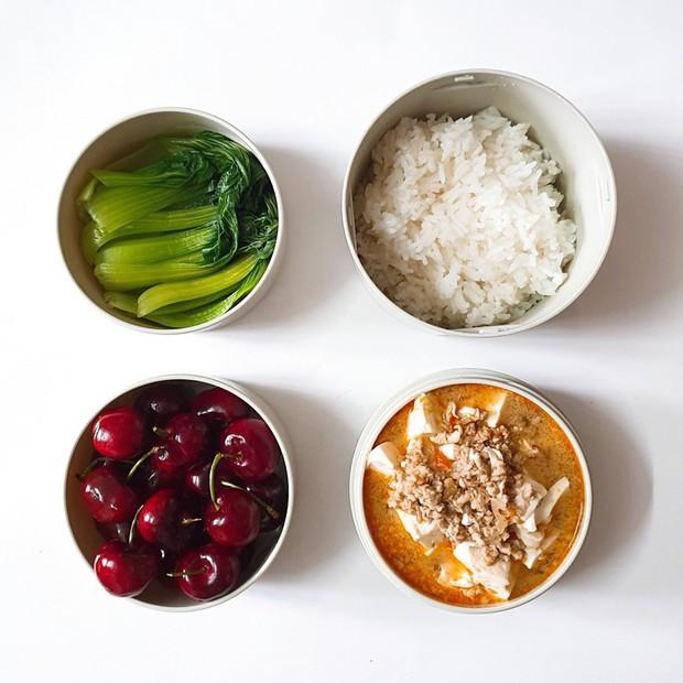 Chỉ với 50k đồng, cô gái trẻ làm ra hàng loạt bữa cơm trưa siêu tinh tế để chồng mang đi làm mỗi ngày - Ảnh 7.
