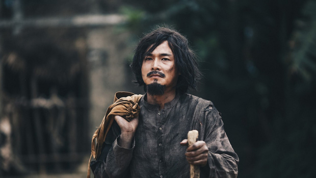 2 lần hát nhạc phim gây nức nở của Phan Mạnh Quỳnh: Chỉ đổi hai chữ phồn hoa thôi mà ai cũng khen tinh tế - Ảnh 6.