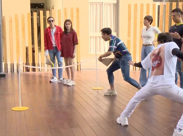 Running Man - Không lên sóng: BB Trần - Ngô Kiến Huy nhảy dựng khi bị gọi là... đồng bóng - Ảnh 4.