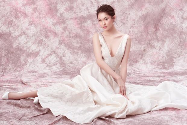 Á hậu Thùy Dung khoe ngực căng đầy gợi cảm khi bước sang tuổi 23 - Ảnh 4.