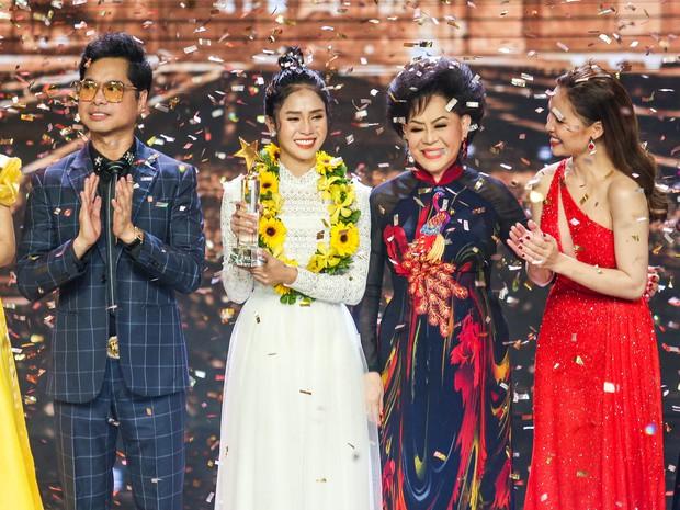 Học trò Ngọc Sơn - Giang Hồng Ngọc lên ngôi Quán quân Thần tượng Bolero 2019 - Ảnh 1.