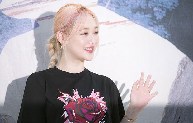 Lâu lắm Sulli mới được netizen Hàn khen về nhan sắc, nhưng sao zoom gần lại vừa lạ vừa sợ thế này? - Ảnh 3.