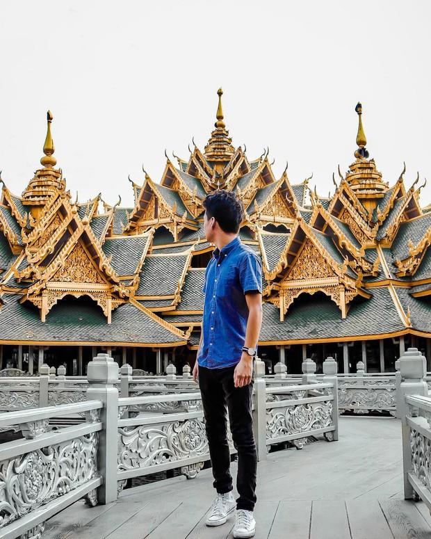 """Không tin vào mắt mình ngôi đền được canh giữ bởi """"cá khổng lồ"""" đẹp hệt cổ tích đang """"gây bão"""" Thái Lan - Ảnh 13."""