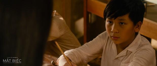 Phân tích 5 chương của Mắt Biếc được Victor Vũ tái hiện trong teaser: Chuyến tàu của Ngạn liệu Hà Lan có đuổi kịp? - Ảnh 9.