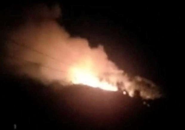 Hà Tĩnh: Lại cháy rừng tại Hương Sơn, khẩn cấp sơ tán dân trong đêm - Ảnh 1.
