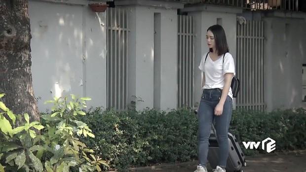 3 item mà Quỳnh Kool Nàng dâu order nên diện nếu không muốn bị bại lộ cặp chân to - Ảnh 1.