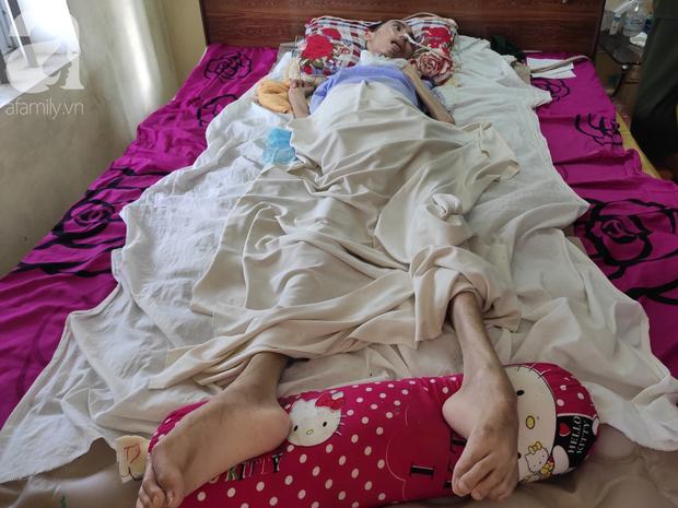 Con trai sắp lấy vợ bị tai nạn nằm một chỗ, người mẹ già ngã quỵ khi tiếp tục biết chồng ung thư mà không đủ tiền chữa - Ảnh 12.