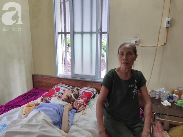 Con trai sắp lấy vợ bị tai nạn nằm một chỗ, người mẹ già ngã quỵ khi tiếp tục biết chồng ung thư mà không đủ tiền chữa - Ảnh 13.