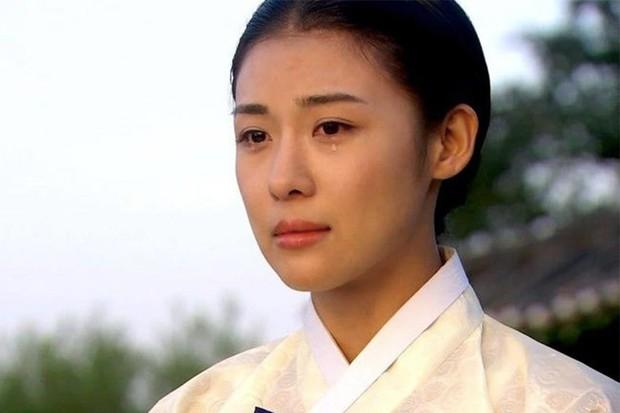 Là con ghẻ truyền hình nhưng có đến 5 lí do để mê đắm phim cổ trang Hàn: Số 4 từng khuynh đảo toàn Châu Á - Ảnh 3.