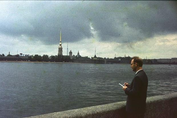Ảnh màu ấn tượng về đường phố Leningrad những năm 1960 - Ảnh 7.