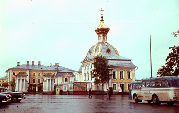 Ảnh màu ấn tượng về đường phố Leningrad những năm 1960 - Ảnh 8.