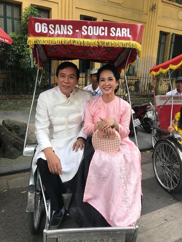 Mẹ chồng - nàng dâu Lan Hương - Bảo Thanh cùng dàn nghệ sĩ Việt diện áo dài truyền thống khoe nét đẹp nền nã giữa lòng thủ đô Hà Nội - Ảnh 2.
