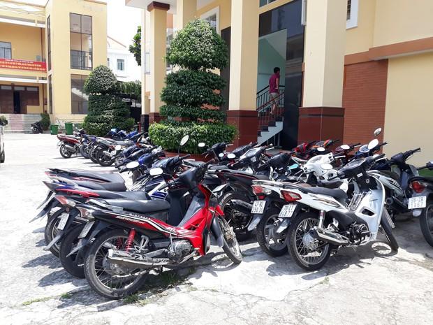 Băng nhóm trộm 9 xe máy trong dãy trọ sinh viên ở Sài Gòn khai gì? - Ảnh 3.