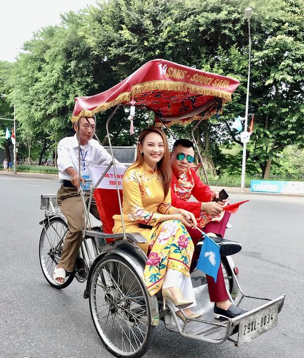 Mẹ chồng - nàng dâu Lan Hương - Bảo Thanh cùng dàn nghệ sĩ Việt diện áo dài truyền thống khoe nét đẹp nền nã giữa lòng thủ đô Hà Nội - Ảnh 7.