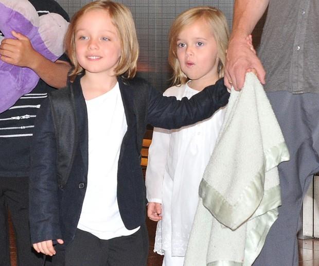 Ngược đời như cặp sinh đôi đắt giá nhất Hollywood nhà Brangelina: Em gái càng nam tính, anh trai lại hiền lành ủy mị - Ảnh 2.