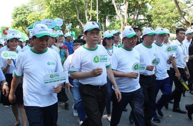 Doanh nghiệp chung tay cùng xã hội giảm rác thải nhựa, bảo vệ môi trường - Ảnh 2.