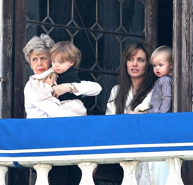 Ngược đời như cặp sinh đôi đắt giá nhất Hollywood nhà Brangelina: Em gái càng nam tính, anh trai lại hiền lành ủy mị - Ảnh 6.