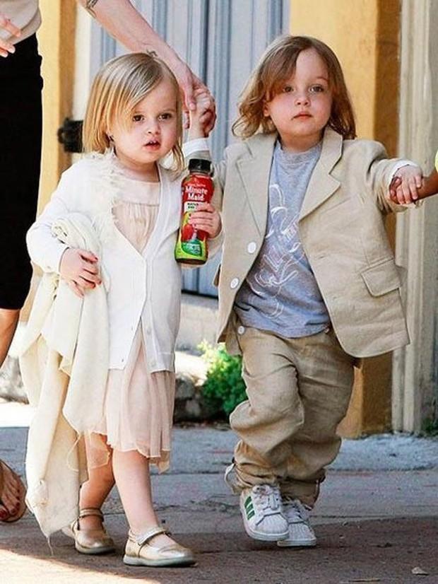 Ngược đời như cặp sinh đôi đắt giá nhất Hollywood nhà Brangelina: Em gái càng nam tính, anh trai lại hiền lành ủy mị - Ảnh 7.