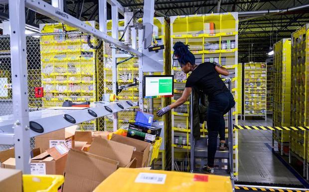 Chất như Amazon: Mỗi nhân viên được cho không 7.000 USD để học kỹ năng mới, không bắt buộc phải ở lại Amazon - Ảnh 1.