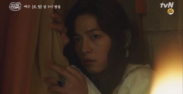 10 khoảnh khắc ấn tượng Arthdal Niên Sử Kí: Kim Ji Won dùng máu nguyền rủa, Song Joong Ki tung twist thay đổi cục diện! - Ảnh 4.