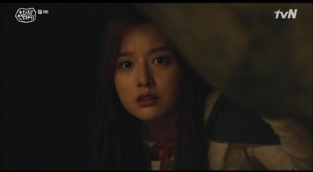 10 khoảnh khắc ấn tượng Arthdal Niên Sử Kí: Kim Ji Won dùng máu nguyền rủa, Song Joong Ki tung twist thay đổi cục diện! - Ảnh 7.