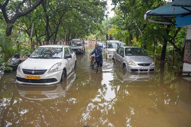 Lũ lụt nghiêm trọng tại Ấn Độ, 400.000 người bị ảnh hưởng - Ảnh 1.