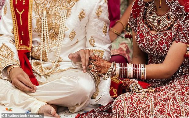 Đám cưới biến thành đám tang: Chú rể tử vong trong ngày trọng đại nhất đời vì phát súng ăn mừng của bạn bè - Ảnh 2.