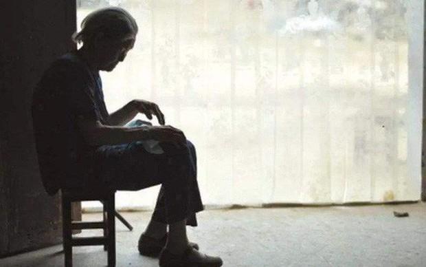 Lá thư tuyệt mệnh chua xót của mẹ già 80 tuổi: Tôi hối hận vì đẻ 4 đứa con trai - Ảnh 1.