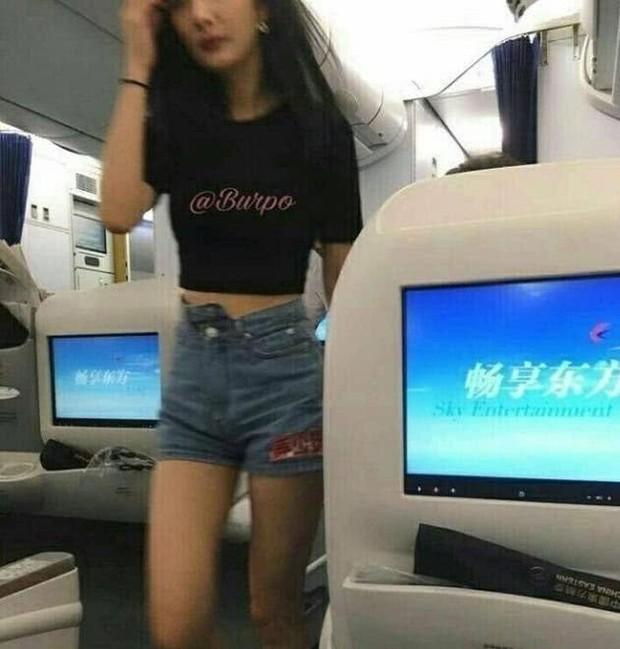 So sánh body bỏng mắt của Dương Mịch và Jennie khi diện croptop: Nữ thần Cbiz thua mỹ nhân BLACKPINK ở 2 bức ảnh để đời - Ảnh 8.