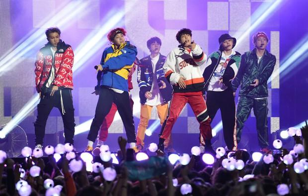 """TWICE vừa lập thành tích mới gì ngang bằng BLACKPINK nhưng """"hợp lực"""" hai nhóm vẫn chưa """"đọ"""" nổi BTS? - Ảnh 2."""