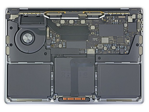 Mổ bụng MacBook Pro mới cho ta thấy những thay đổi bên trong sẽ khiến người dùng không thể sửa - Ảnh 1.