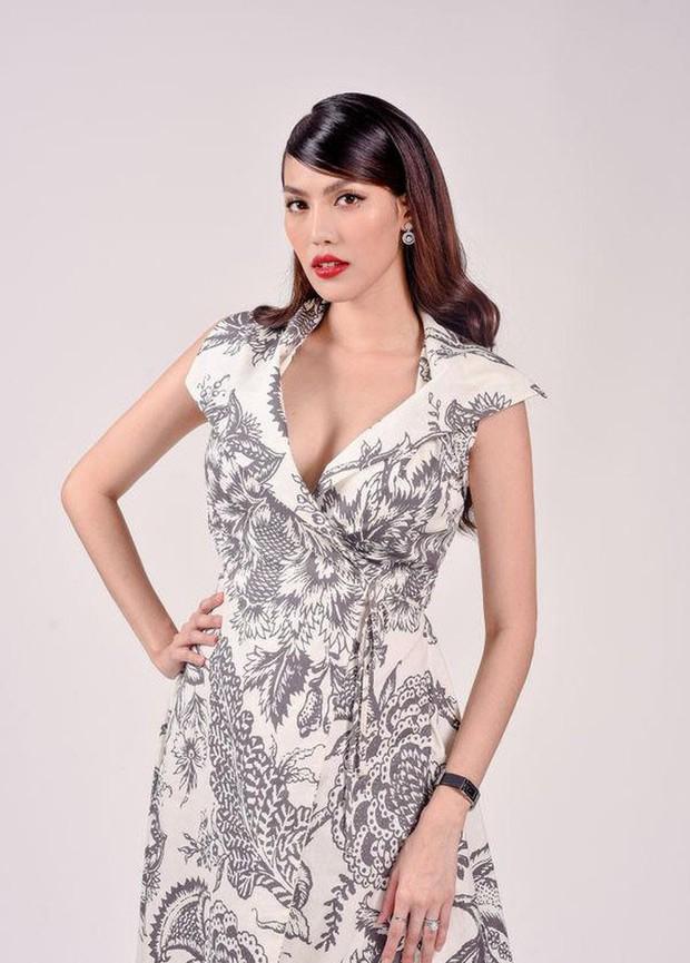 Diện lại váy cách đây 2 năm khi đang bầu bí, Lan Khuê khéo thay đổi một chi tiết để tốt cho em bé - Ảnh 1.
