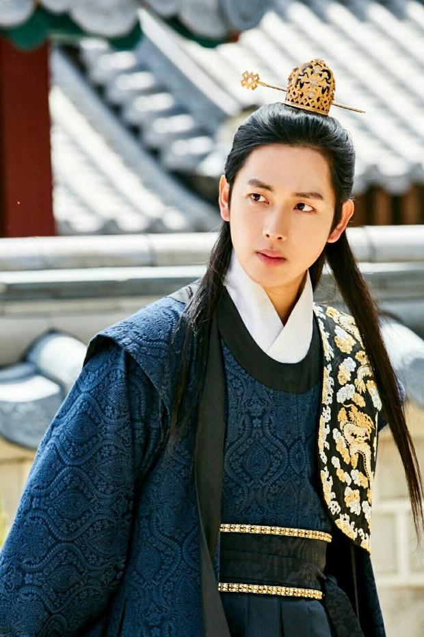 """4 cặp """"tình nhân"""" xứ Hàn có tạo hình cổ trang đẹp đến nao lòng: Đôi thứ 4 hứa hẹn khuấy đảo màn ảnh - Ảnh 10."""