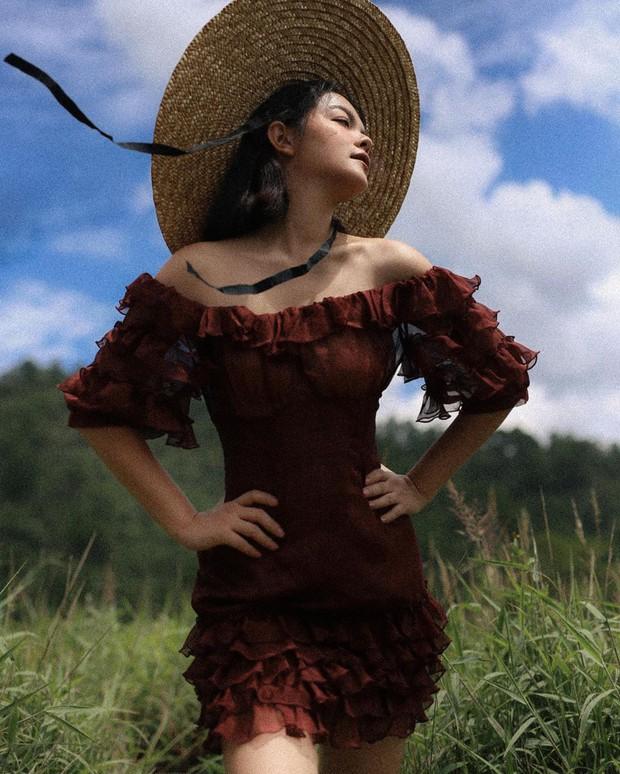 Ai đó kiêng dè váy kén dáng chứ Phạm Quỳnh Anh chẳng ngán diện, đã vậy còn mặc tuyệt đẹp - Ảnh 7.