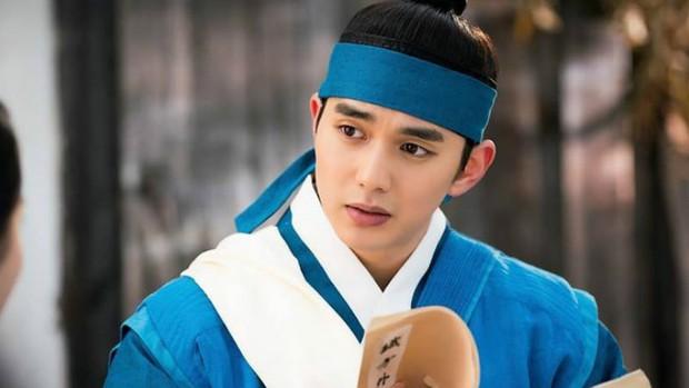"""4 cặp """"tình nhân"""" xứ Hàn có tạo hình cổ trang đẹp đến nao lòng: Đôi thứ 4 hứa hẹn khuấy đảo màn ảnh - Ảnh 6."""
