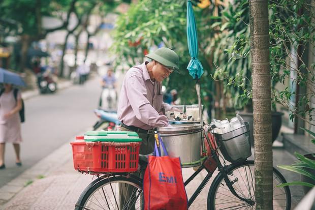 Không phải vua tào phớ hay hoàng hậu tào phớ, ước mơ của tuổi thơ bao đứa trẻ chính là chiếc xe đạp tào phớ này - Ảnh 1.