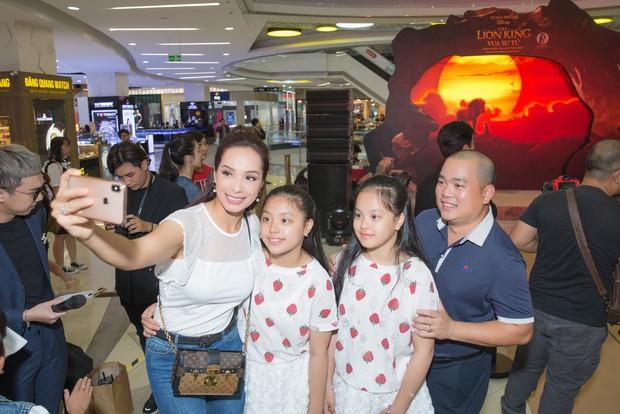 Clip: Khán giả Việt tán dương kĩ xảo Lion King, chia phe xem lồng tiếng và phụ đề vô cùng náo nhiệt! - Ảnh 12.