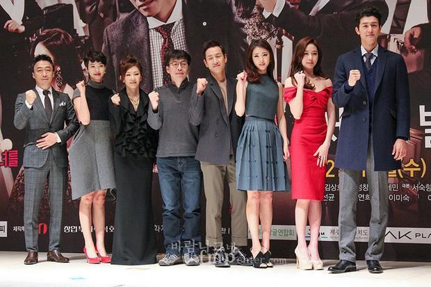 Giật mình các nam thần Hàn cao trên 1m9 đứng bên đồng nghiệp: Như người khổng lồ, Lee Kwang Soo chưa là gì với Rowoon - Ảnh 2.
