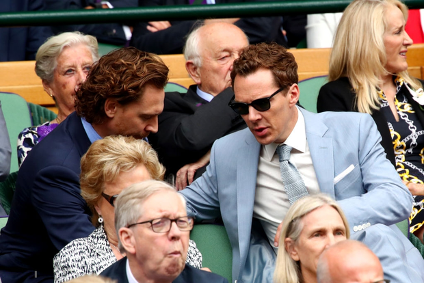 Chung kết Wimbledon: Công nương Kate hết ôm mặt lại chu môi ngạc nhiên tột độ khi chứng kiến trận siêu kinh điển quần vợt, Doctor Strange và Loki ăn mặc lịch lãm như đi thử vai Mật vụ Kingsman - Ảnh 7.