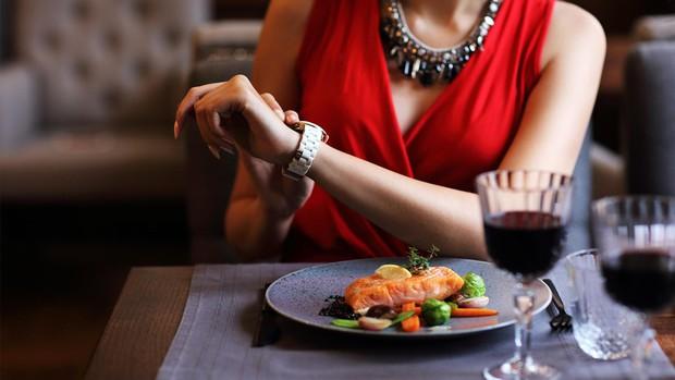 Đi ăn kiểu thượng lưu ở phương Tây, ngồi như thế nào và ở đâu cũng là cả một vấn đề - Ảnh 4.