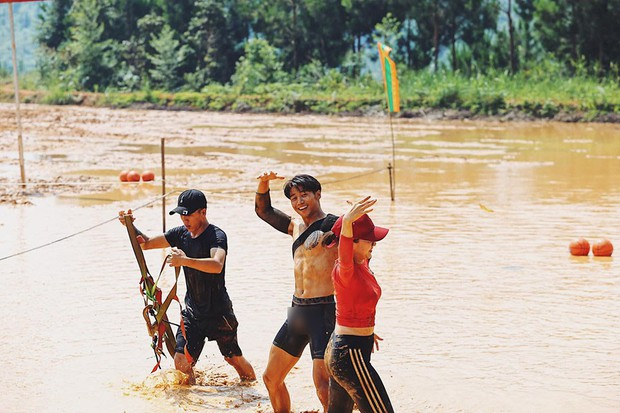 Sau Quốc Thiên, đến lượt Tôn Kinh Lâm bị soi vùng nhạy cảm tại Cuộc đua kỳ thú - Ảnh 2.