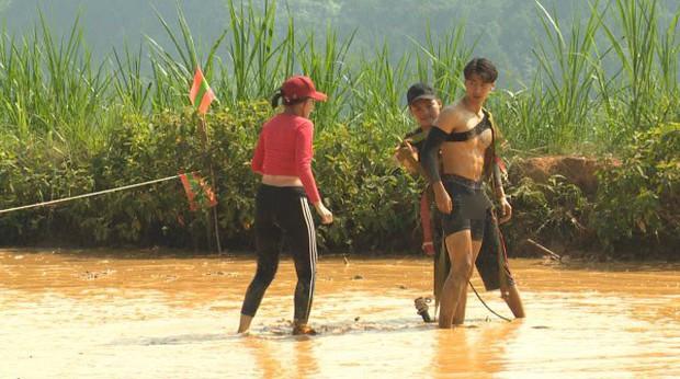 Sau Quốc Thiên, đến lượt Tôn Kinh Lâm bị soi vùng nhạy cảm tại Cuộc đua kỳ thú - Ảnh 3.