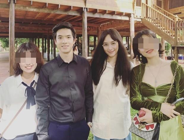 Tên Tôi Là Kim Sam Soon bản Thái remake: Ăn bận như nhà quê nhưng chị đại Bee Namthip vẫn bị... chê quá đẹp so với bản gốc - Ảnh 7.