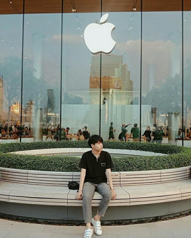 """Đến Thái Lan mà chưa có ảnh check-in ở background """"trái táo khuyết"""" huyền thoại như BB Trần thì uổng lắm à nghen! - Ảnh 19."""