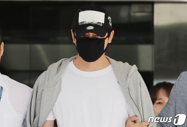 Giả vờ quên hết vì say, tài tử Coffee House Kang Ji Hwan cuối cùng đã thừa nhận cáo buộc hiếp dâm tập thể - Ảnh 2.