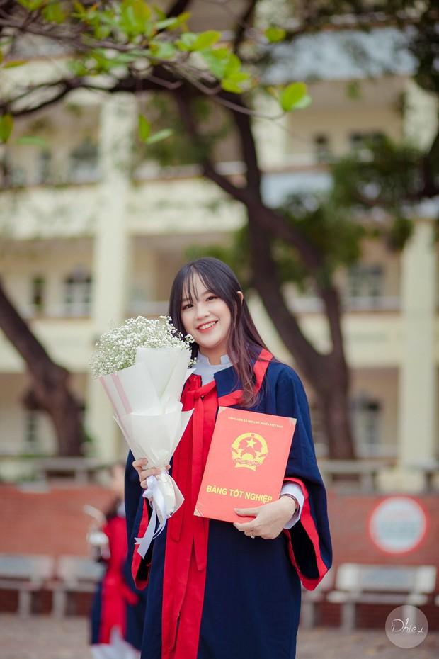 Thủ khoa khối C cực xinh xắn của tỉnh Quảng Ninh: Trước ngày thi 3 ngày mới học nhiều, chỉ cần tập trung nghe giảng trên lớp là được - Ảnh 1.