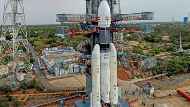 Ấn Độ đột ngột hủy phóng tàu thăm dò Mặt Trăng - Ảnh 1.