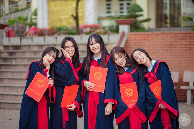Thủ khoa khối C cực xinh xắn của tỉnh Quảng Ninh: Trước ngày thi 3 ngày mới học nhiều, chỉ cần tập trung nghe giảng trên lớp là được - Ảnh 2.