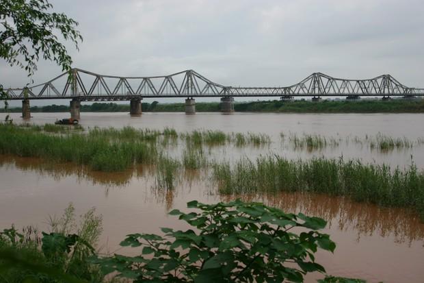 2 cây cầu nổi tiếng của Hà Nội bất ngờ hoá cameo phim kinh dị Hotel del Luna của IU? - Ảnh 10.